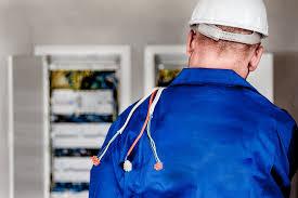 servicios de electricidad en favara